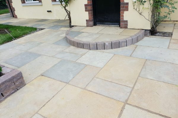 Various Styles of Steps for Your Driveway or Patio