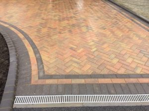 Bull Nosed Block Paving Kerb