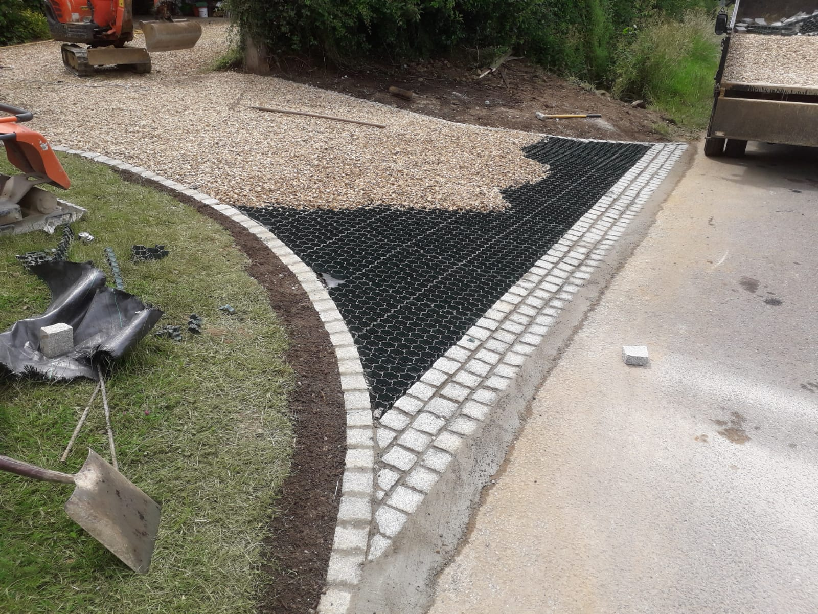Permeable Gravel Driveway Installation Service